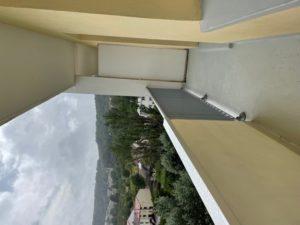 Bel F3 avec un grand balcon