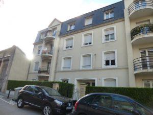 Grand f4 avec terrasse dans une résidence récente à 5 mn à pied de la place Carnot